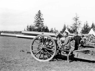 A 60-pounder Breech-loading Gun at a WW1 Training Camp, Valcartier, Quebec, 1914