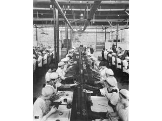 Assembly Department, British Munitions Supply Co. Ltd., Verdun, Quebec, [1916-1918]