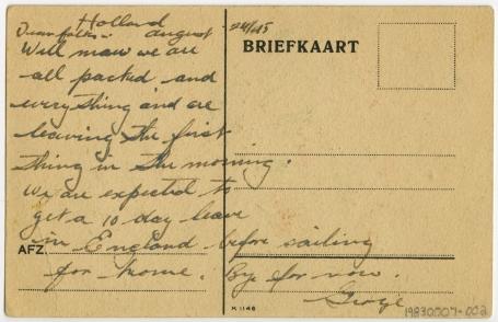 Verso de la carte postale r�dig�e � la main par le soldat George Matalas, Pays-Bas, le 24 ao�t 1945.